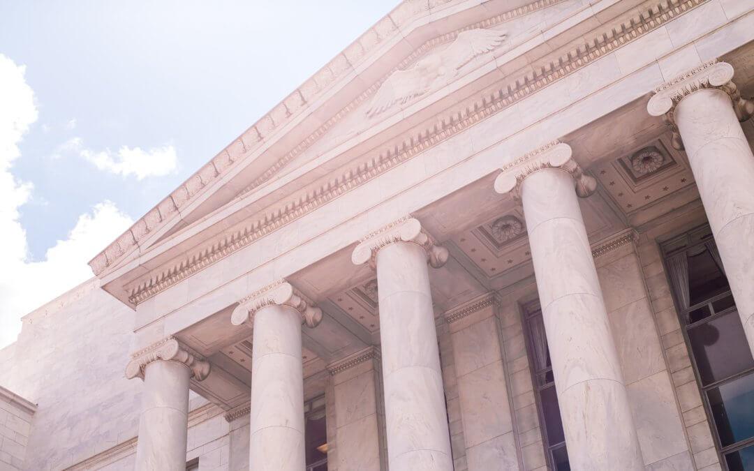 Federal Monument - (Photo by: Katie Moum) o0kbc907i20-unsplash